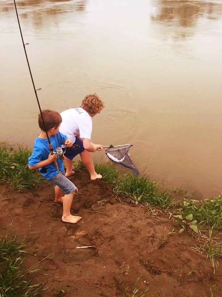 Cruz fishing red